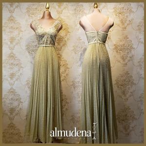 vestido dorado largo elegante